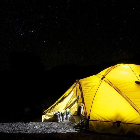 camping en tente la nuit